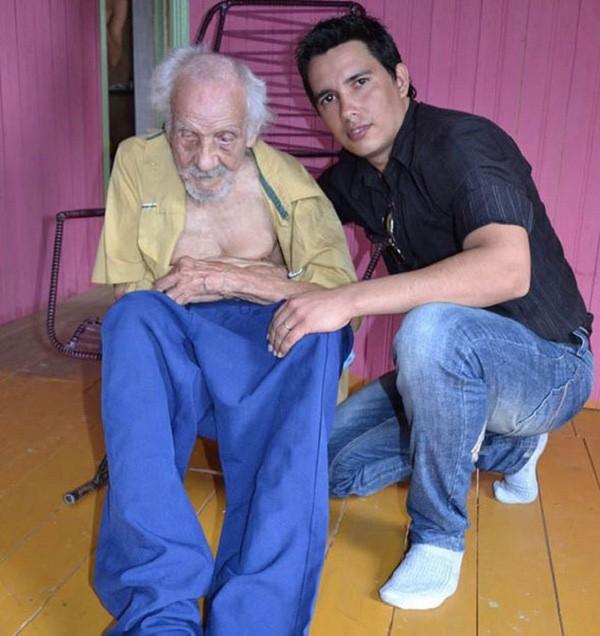 Cụ ông 131 tuổi già nhất thế giới có con ở tuổi 101 - ảnh 2