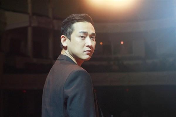 Hứa Vĩ Văn gây sốt với danh xưng 'soái ca' duy nhất ở Việt Nam - ảnh 2