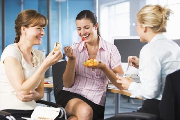 Mẹo giảm béo bụng hiệu quả cho những người ngồi nhiều - ảnh 1