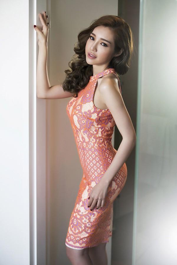 Clip: Elly Trần siêu gợi cảm trong bộ ảnh mới - ảnh 3