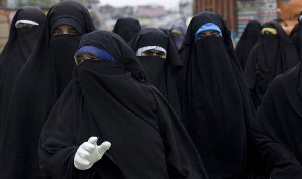 Đặc nhiệm Anh giả gái tấn công vào sào huyệt IS - ảnh 3