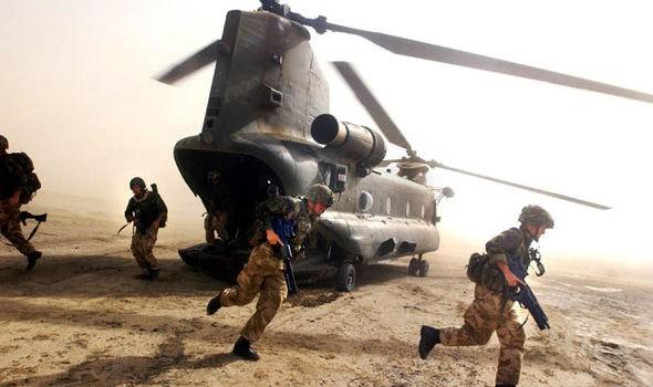 Đặc nhiệm Anh giả gái tấn công vào sào huyệt IS - ảnh 2