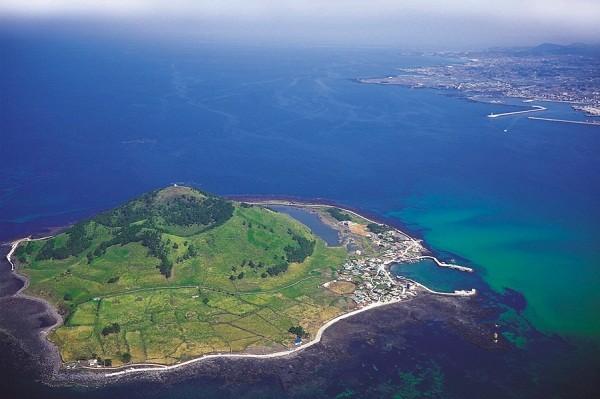 Hàn Quốc truy tìm 32 du khách Việt bỏ trốn trên đảo Jeju - ảnh 1