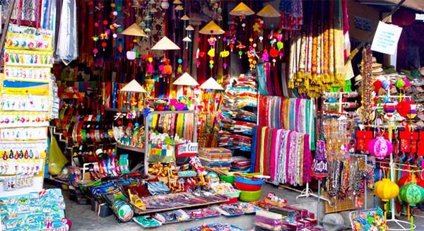 Nhắc khách Tây 5 điều không được 'bỏ quên' khi đi du lịch Hà Nội - ảnh 4