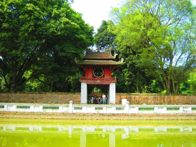 Nhắc khách Tây 5 điều không được 'bỏ quên' khi đi du lịch Hà Nội - ảnh 2