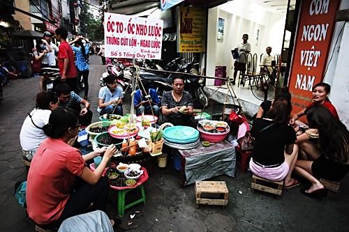 Nhắc khách Tây 5 điều không được 'bỏ quên' khi đi du lịch Hà Nội - ảnh 3