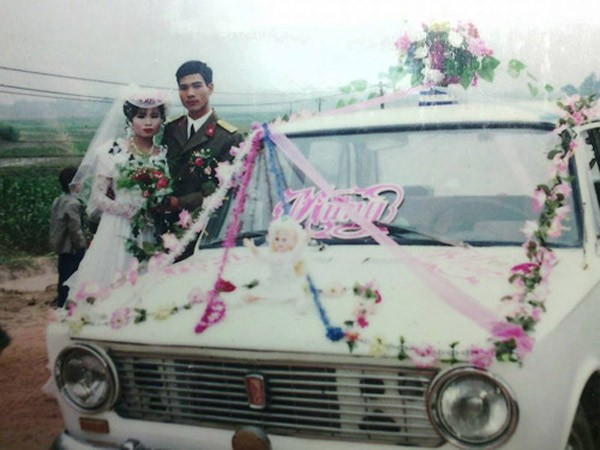 Màn rước dâu hoành tráng toàn xe vespa ở Hà Nội xưa - ảnh 3