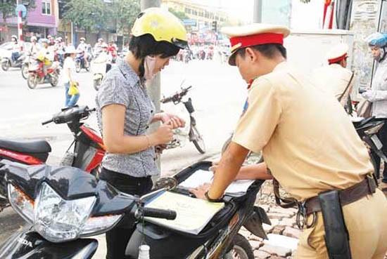 Cảnh sát giao thông được dừng xe khi nào? - ảnh 1