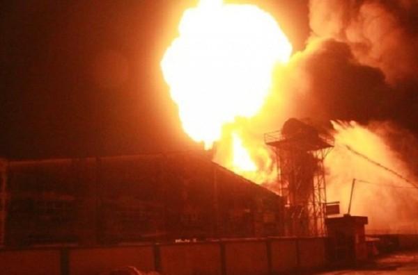 Bình Dương: Công ty gỗ cháy nổ kinh hoàng, lan rộng hàng ngàn m2 - ảnh 1