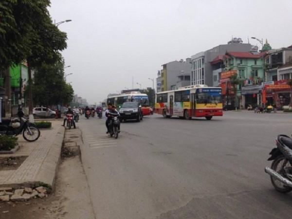 Hà Nội: Rút kéo truy sát cả nhà người khác vì va chạm giao thông - ảnh 2