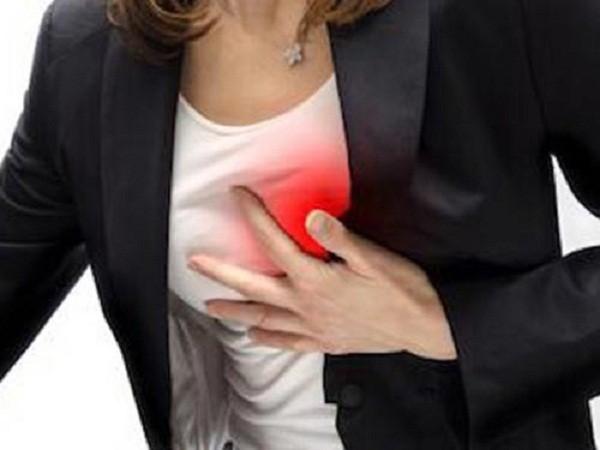 Đau nhói ở ngực, dấu hiệu của căn bệnh nguy hiểm - ảnh 1