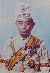 Sống gần hết đời mới biết mình là hoàng tử Malaysia - ảnh 2
