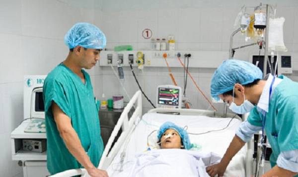 Cứu sống sản phụ nguy kịch do mất máu sau sinh - ảnh 1