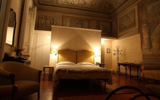 Những khách sạn 'ma ám' nổi tiếng thế giới - ảnh 2