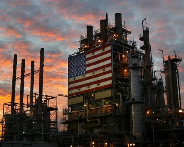 Giá dầu Mỹ 'tụt đáy', thấp nhất trong vòng 13 năm - ảnh 1