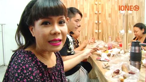 Việt Hương 'bất mãn' với cuộc sống đầy 'bất công' - ảnh 1