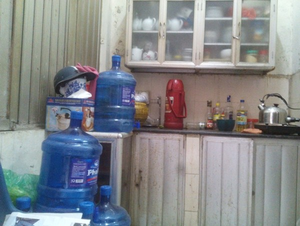 Hà Nội: Phản cảm hình ảnh bếp núc trong trụ sở UBND phường - ảnh 6