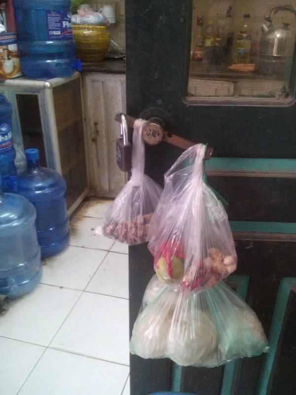Hà Nội: Phản cảm hình ảnh bếp núc trong trụ sở UBND phường - ảnh 7