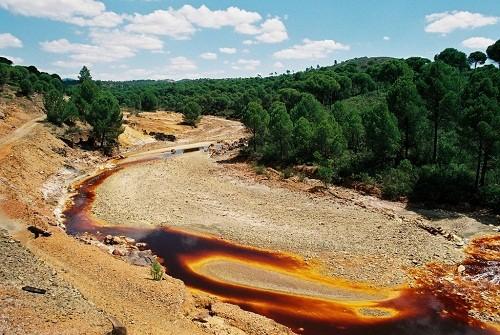 Lạ lùng  dòng sông đỏ như máu ở Tây Ban Nha - ảnh 5