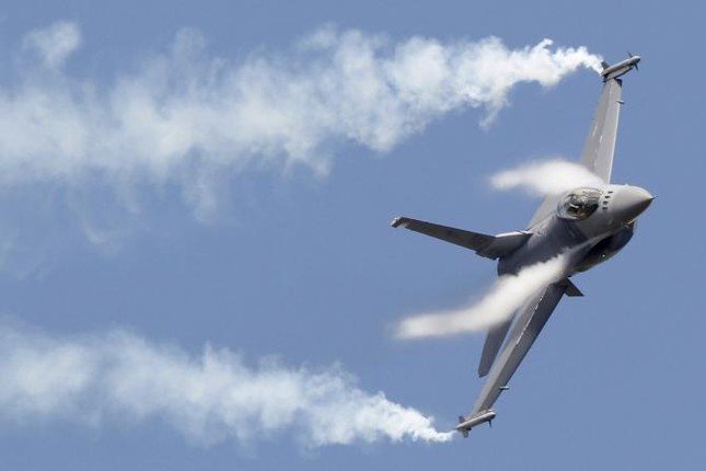 Chiến đấu cơ F-16 Mỹ rơi, phi công bị nghi đã chết - ảnh 1