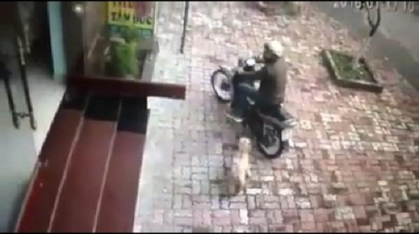Xôn xao clip vào tận nhà thôi miên lừa 17 triệu đồng ở Bắc Ninh - ảnh 1