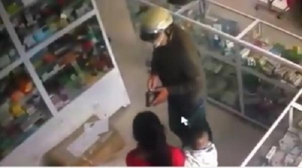 Xôn xao clip vào tận nhà thôi miên lừa 17 triệu đồng ở Bắc Ninh - ảnh 2