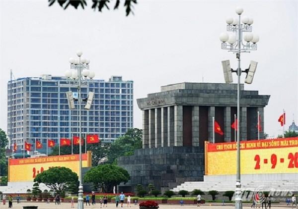 Hà Nội khẳng định vẫn cưỡng chế phá dỡ tòa nhà 8B Lê Trực - ảnh 1