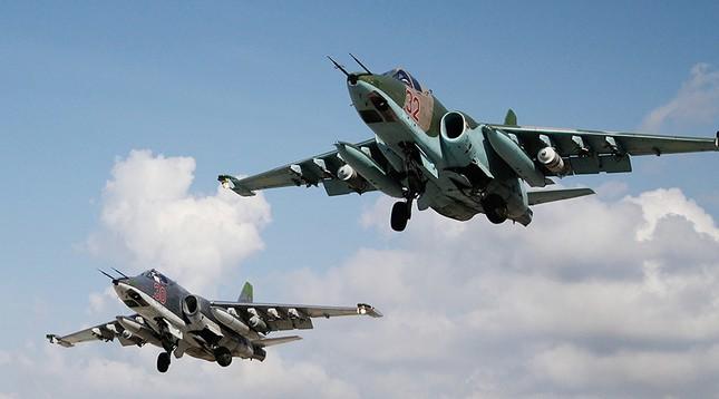 Không quân Nga yểm trợ, quân đội Syria tổng tấn công - ảnh 1