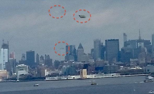 Dân Mỹ hoang mang khi thấy UFO 'lượn' gần tượng Nữ thần Tự do - ảnh 1