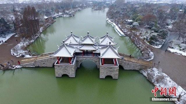 Trung Quốc lạnh đến nỗi hắt nước sôi cũng hóa băng - ảnh 5