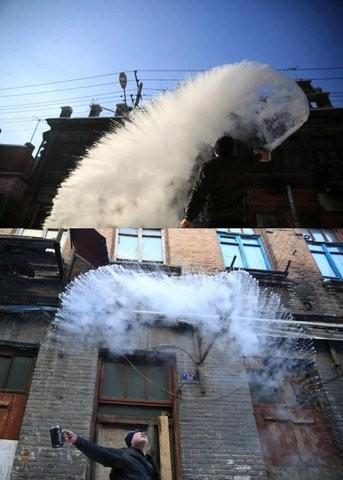 Trung Quốc lạnh đến nỗi hắt nước sôi cũng hóa băng - ảnh 3