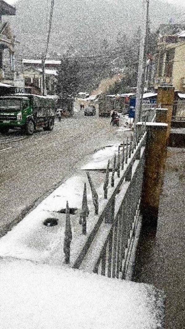 Tuyết rơi trên diện rộng tại Mù Cang Chải - ảnh 2