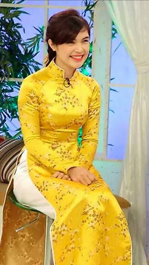 Tiết lộ người chị gái xinh đẹp của Hòa Minzy - ảnh 4