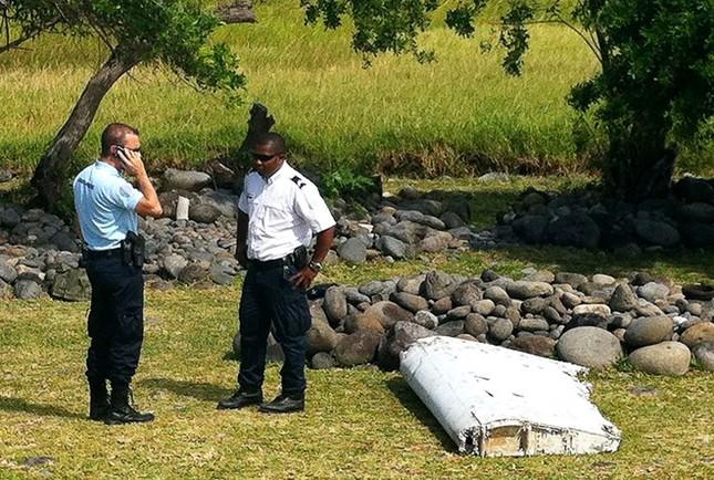 Mảnh vỡ lạ nghi là của MH370 tìm thấy tại Thái Lan - ảnh 1