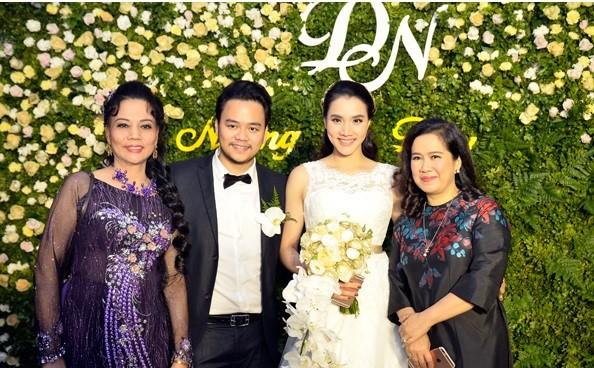 Trang Nhung thân thiết với mẹ chồng 'quyền lực' ở đám cưới lần 2 - ảnh 2