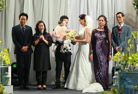 Trang Nhung thân thiết với mẹ chồng 'quyền lực' ở đám cưới lần 2 - ảnh 3