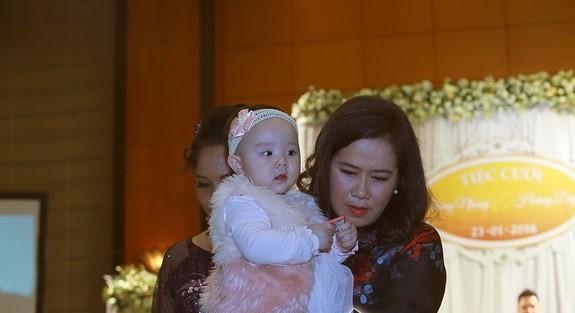 Trang Nhung thân thiết với mẹ chồng 'quyền lực' ở đám cưới lần 2 - ảnh 5