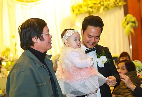 Trang Nhung thân thiết với mẹ chồng 'quyền lực' ở đám cưới lần 2 - ảnh 6