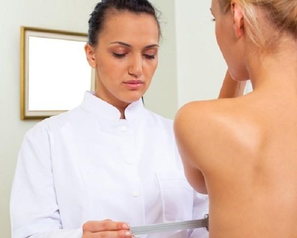 Cô gái phát hiện ra khối u ở ngực nhờ tình một đêm với luật sư - ảnh 1