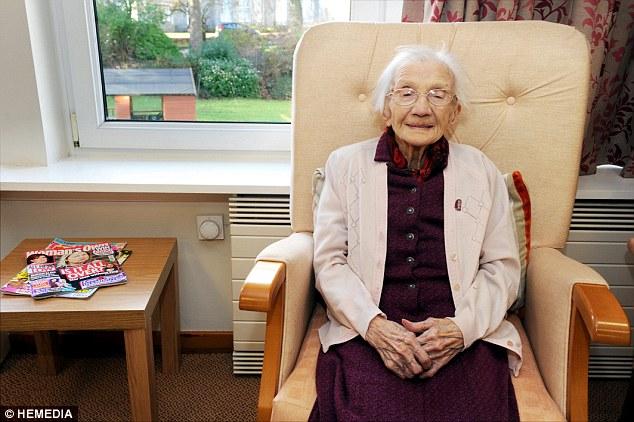 Cụ bà 109 tuổi chia sẻ bí quyết sống lâu: 'Hãy tránh xa đàn ông' - ảnh 1