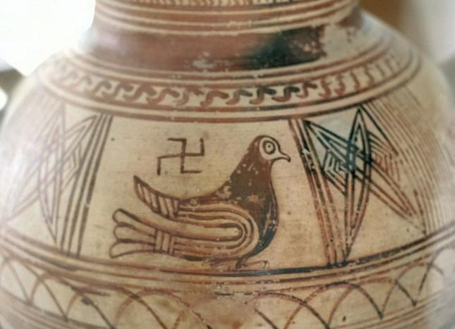 Biểu tượng chữ thập ngược đã bị Hitler 'bôi bẩn' như thế nào? - ảnh 5