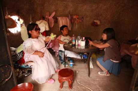 Độc đáo vương quốc toàn người lùn ở Trung Quốc - ảnh 9