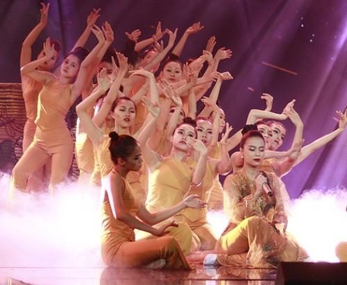 The Remix: Hoàng Thùy Linh thể hiện ca khúc 'Bánh trôi nước' - ảnh 2