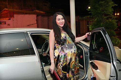 Phi Thanh Vân sắp sinh vẫn nhí nhảnh đi sự kiện - ảnh 2