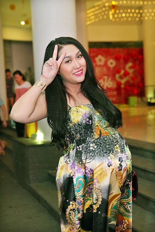 Phi Thanh Vân sắp sinh vẫn nhí nhảnh đi sự kiện - ảnh 3