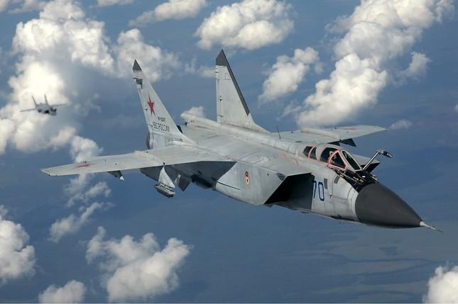 Chiến đấu cơ MiG-31 của Nga gặp nạn khi bay huấn luyện - ảnh 1