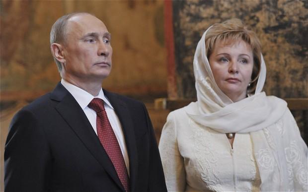 Vợ cũ của ông Putin tái hôn với người kém mình 21 tuổi? - ảnh 1