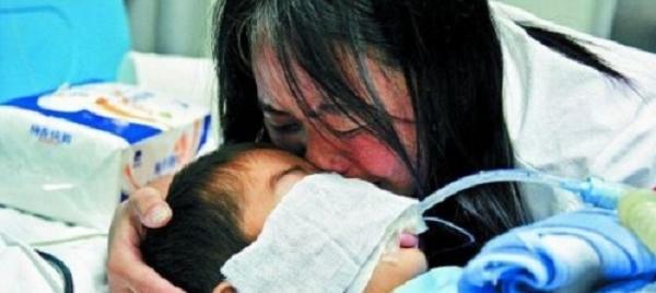 Chết đứng vì nguyên nhân bé 5 tuổi bị ung thư phổi giai đoạn cuối - ảnh 1