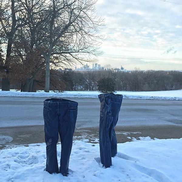 Những chiếc quần 'ma' xuất hiện tại Mỹ - ảnh 1