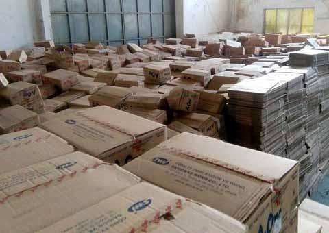Bắt giữ 108 tấn bột ngọt Trung Quốc 'đội lốt' hàng Việt - ảnh 1
